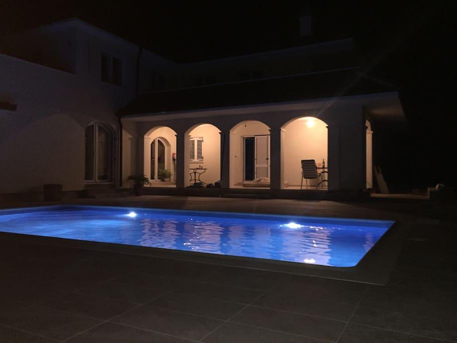 Noćno kupanje