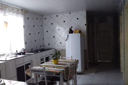 Casa no centro de Antonina