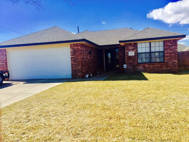 3 bedroom house in the Tradewinds - Amarillo