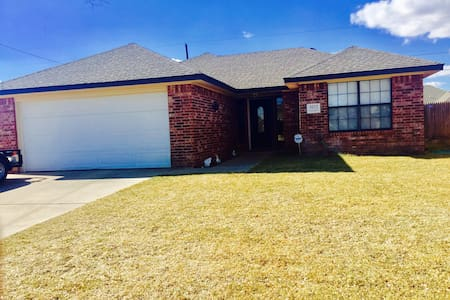 3 bedroom house in the Tradewinds - Amarillo - House
