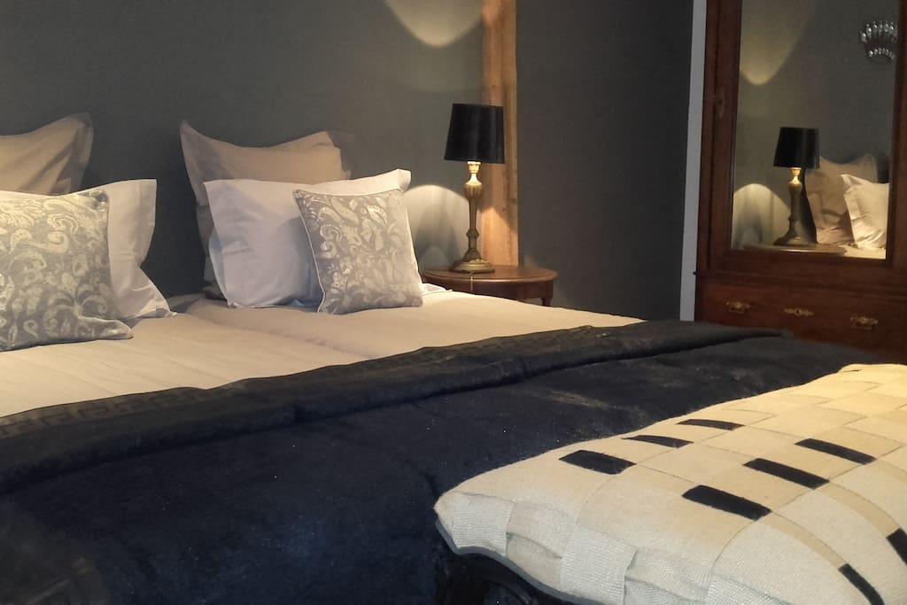 cot cour bischwihr colmar chambre d 39 h tes bed breakfasts zur miete in bischwihr grand. Black Bedroom Furniture Sets. Home Design Ideas