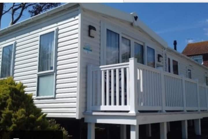 Luxurious Platinum holiday home at Weymouth Bay