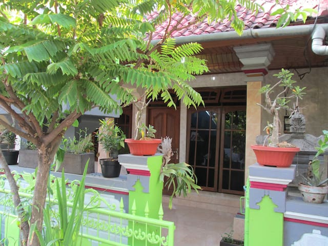 Unique 2 BR  Accomodation for Family - South Kuta - House