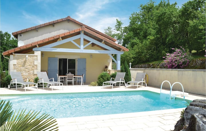 Beautiful home in Brantôme with WiFi and 2 Bedrooms