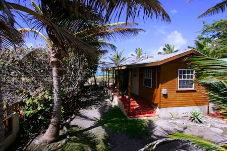 Seascape Beach House Tropical Cottage SurfersPoint