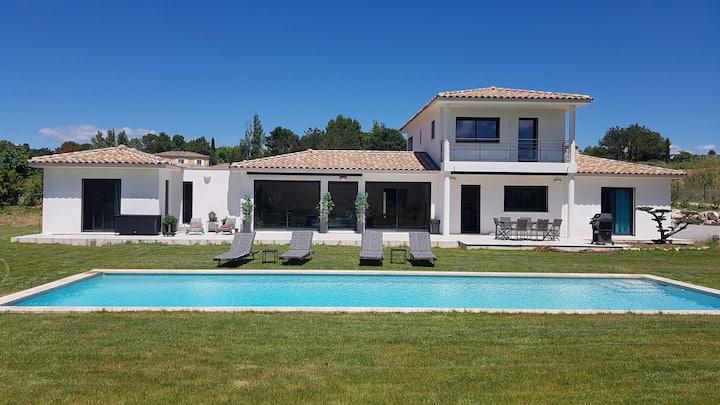 Grande villa moderne à 10 min d'Aix-en-Provence