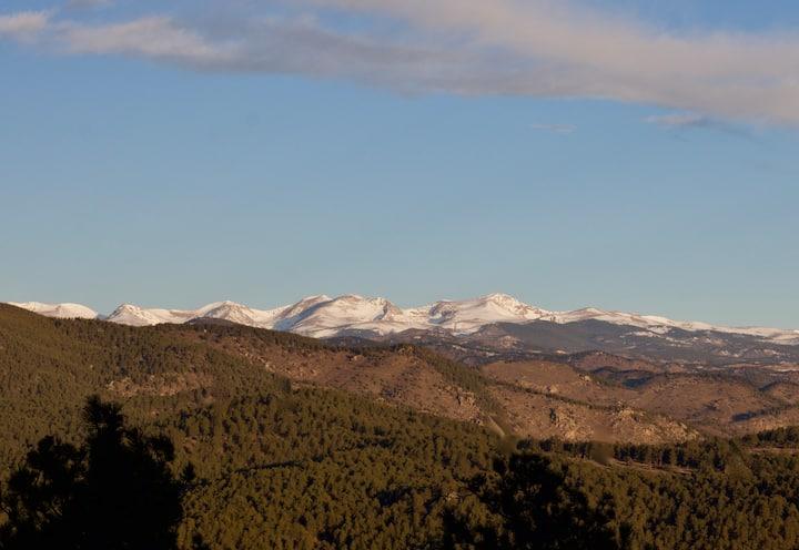 Big Bear: Mountain home with views & wildlife