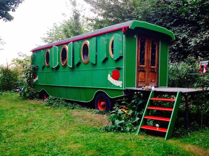 Antieke romantische circuswoonwagen