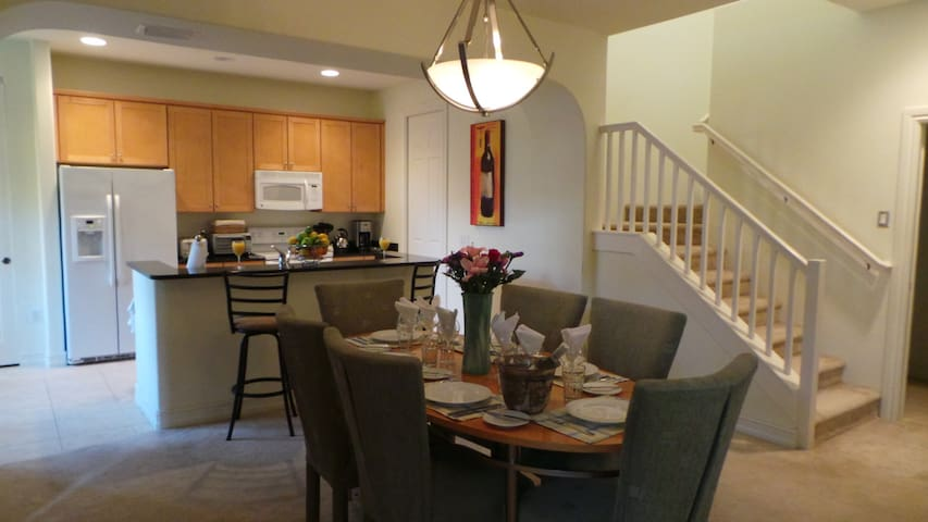Family Friendly Luxury 3 Bedroom Townhouse - Fort Myers - Townhouse