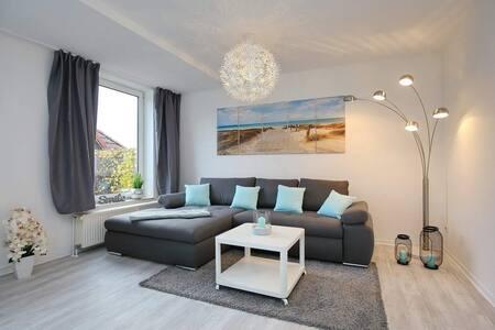 Schöne Sonnige Wohnung mit Terrasse am Meer