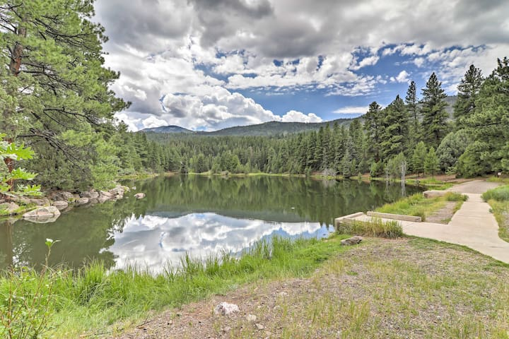 NEW! 3BR Beaver Cabin w/ Deck & Mountain Views!