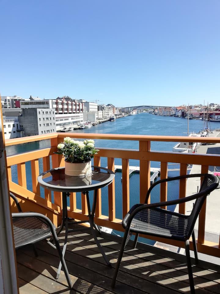 Penthouse i sjøkanten, flott sentrums leilighet