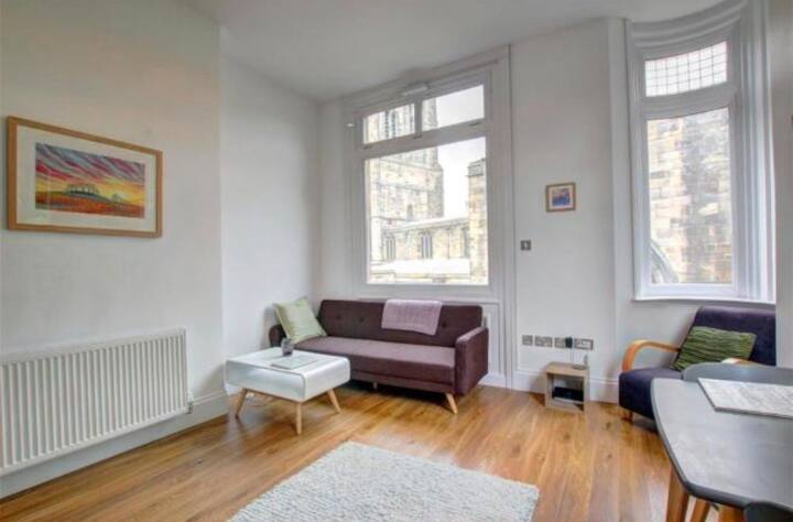 City-centre flat in beautifully converted building