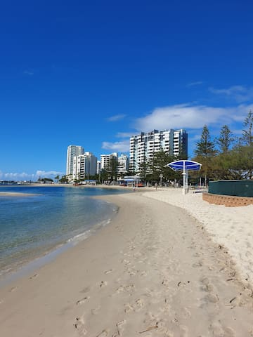 Beautiful Broadwater at your doorstep on The GC.