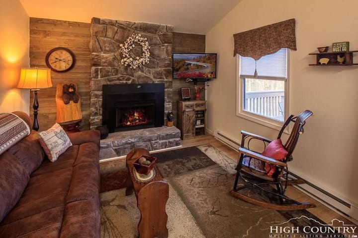 3/2 RETREAT HOME IN BEECH MNT NC, 5 MINS TO SLOPES