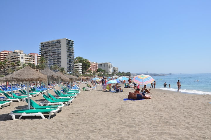 APARTMENT IN MARBELLA-FIRST LINE BEACH AND CENTER