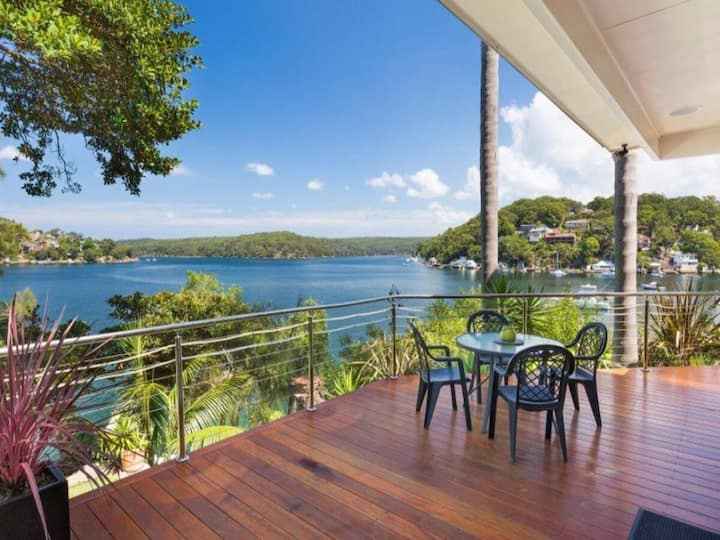 Waterfront Jetty Retreat ~ airport Sydney & Luxury