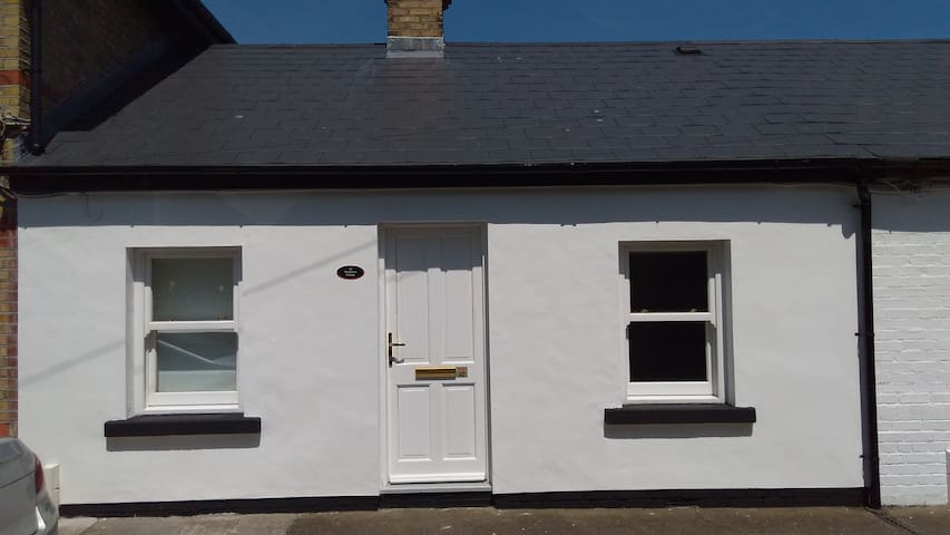 Cosy cottage close to seafront