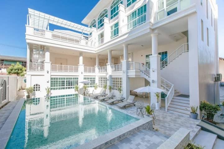 Deluxe Triple, De Hug Hotel & Residence Chiang Rai