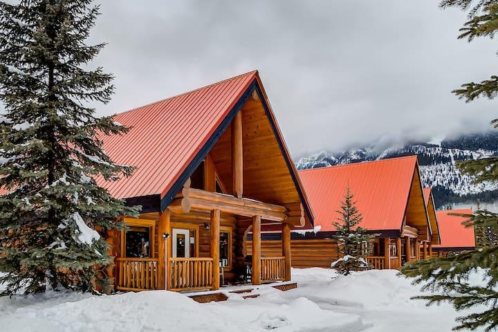 ✫✩ Rockies Getaway Cabins For Groups✩✫