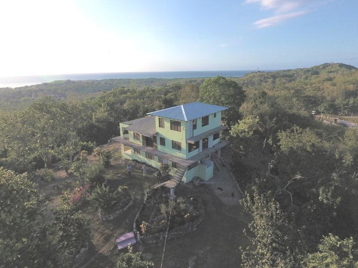 Private Hilltop Retreat - Apartment - Orange Bay