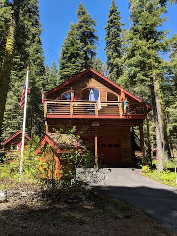 Home away from Home - Tahoe Pines  -Dogs welcome