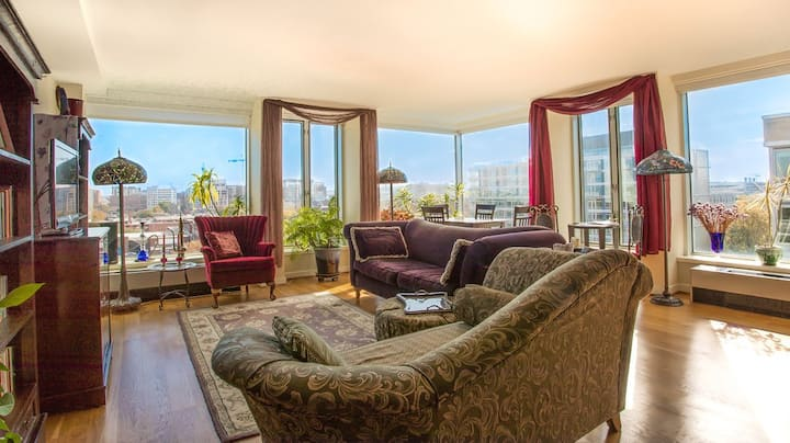 Gorgeous Waterfront Furnished Windows TopFloorView