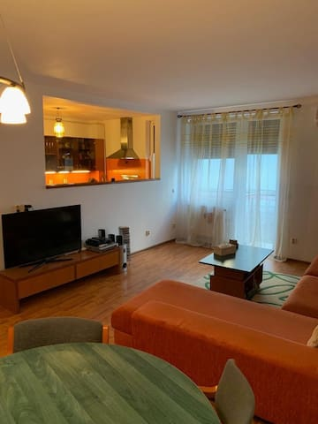 Cozy 2 rooms apartment near Palace of Parliament