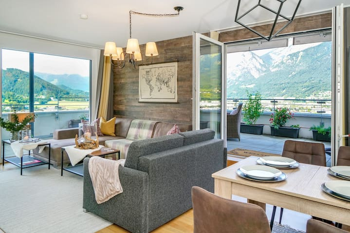 Luxury & stylish apt. with panoramic mountain view