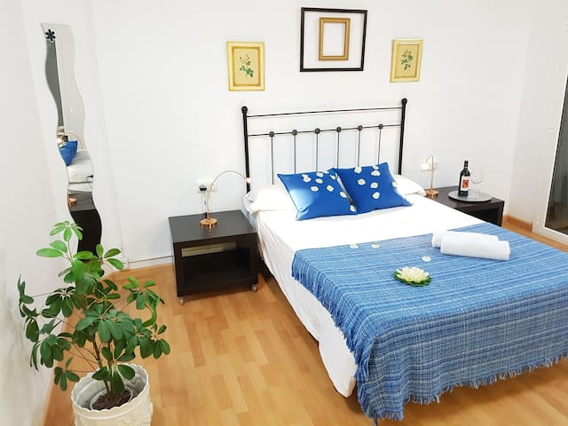 """""""3.3Limon Quiet Flat"""" Quick way to center&airport"""