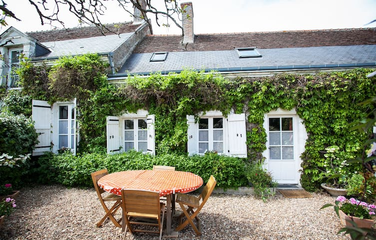 Lovely cottage with pool nr Amboise - Monteaux - Casa