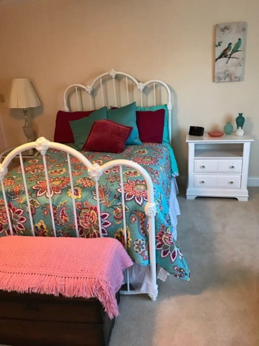 Double/full size bed