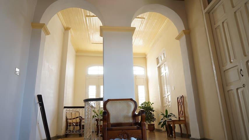 Hermosa Banco Para El Mueble Cama Footthe Bosquejo - Muebles Para ...