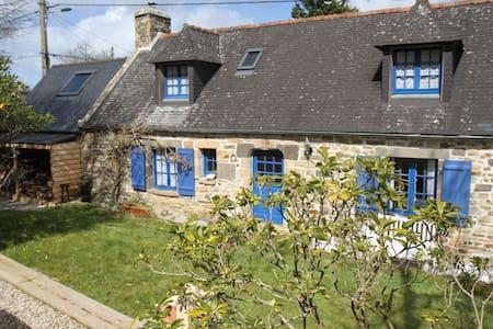 Maison typiquement bretonne - Crozon - House
