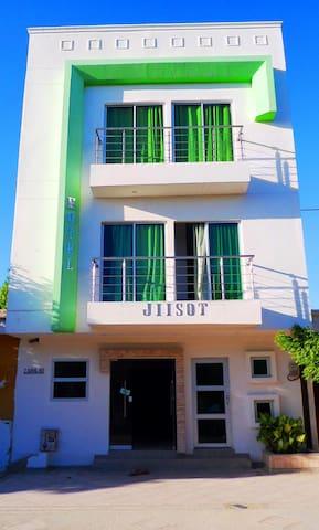 HOTEL JIISOT: 1 Persona, Baño Priv, Aire Acond, 01