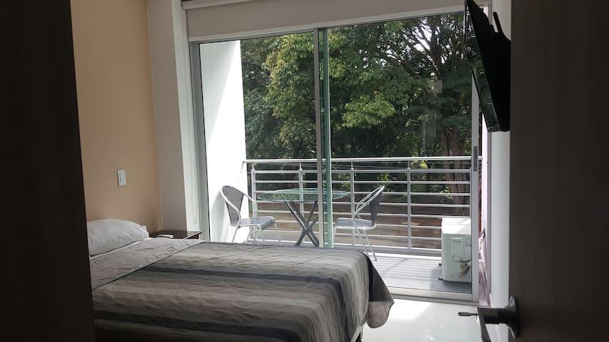 Ciudad jardin dos habitaciones excelente opcion in cali for Bares ciudad jardin cali