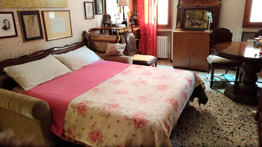 SUITE*EXCLUSIVE USE~NEAR TRAIN~WIFI~TIRAMISU OFFER