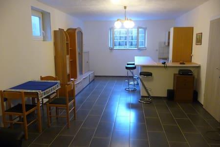 29qm möblierte Einliegerwohnung m. Einbauküche - Apartamento