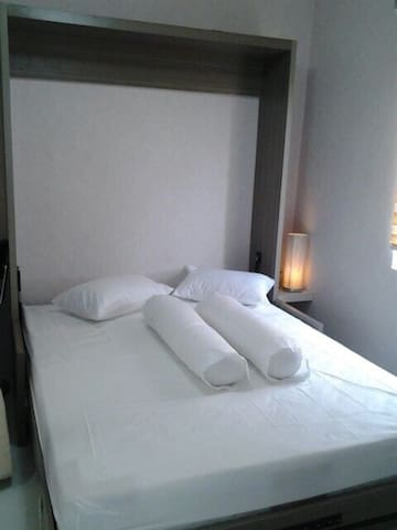 15 mnt from Soekarno Hatta APT (One Room/No Brfst)