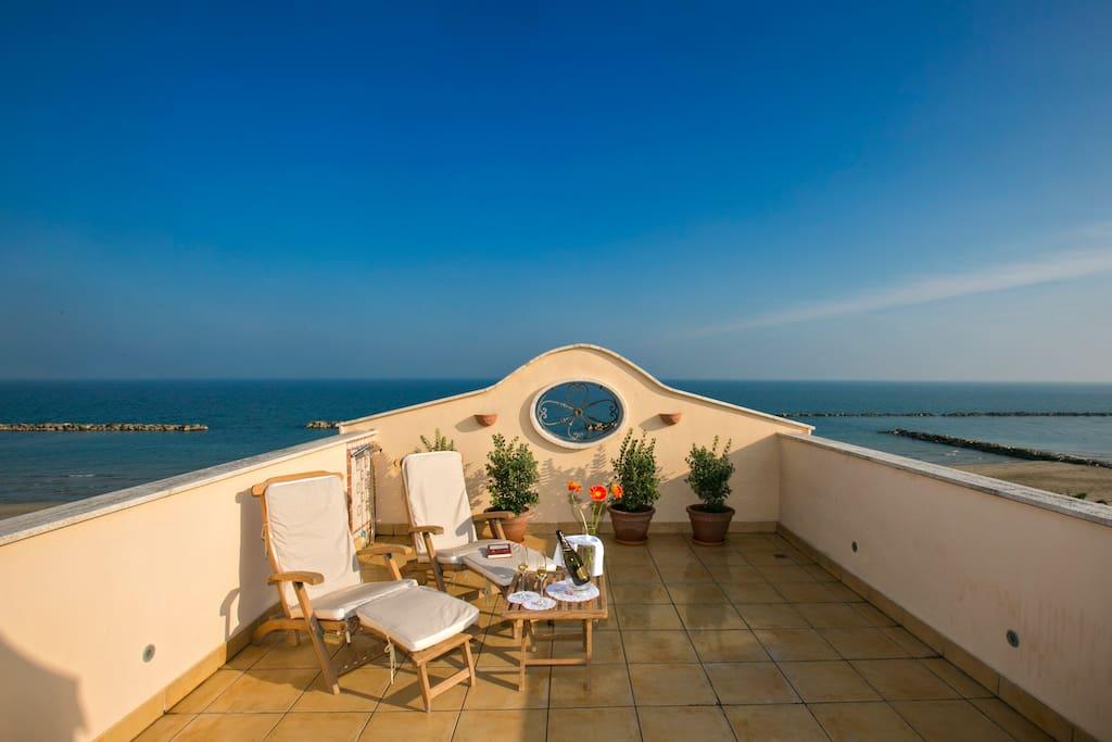 Casa belvedere sulla spiaggia del mare adriatico for Ascensore casa sulla spiaggia
