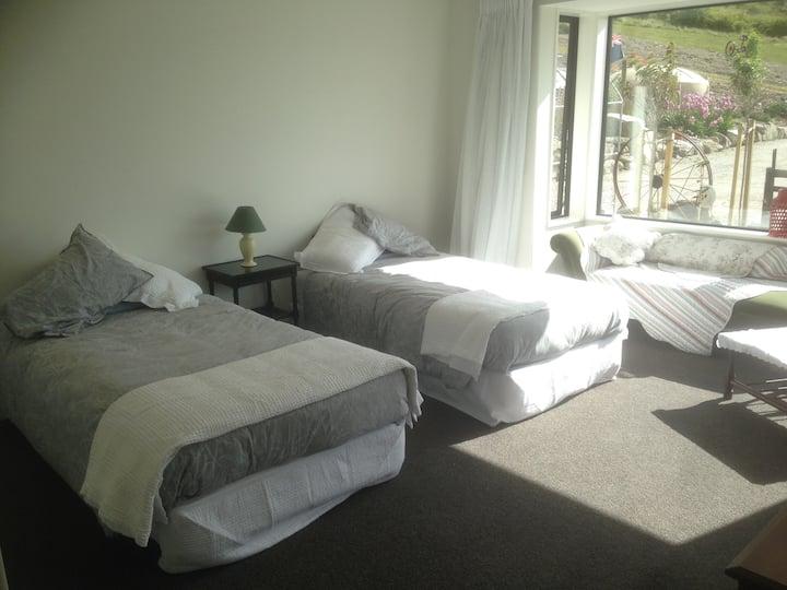Gibbston Heights Retreat Room 2