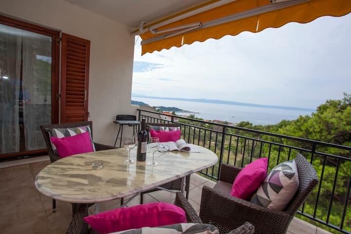 Amazing sea-view apartment