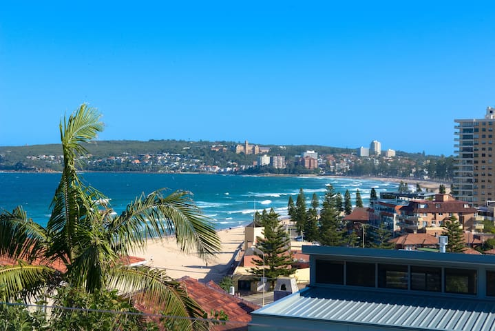 Self-contained Queenscliff beach, 'home' apartment