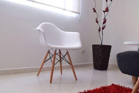 Agradable, cómoda y limpia habitación cerca a UIS - Lakás