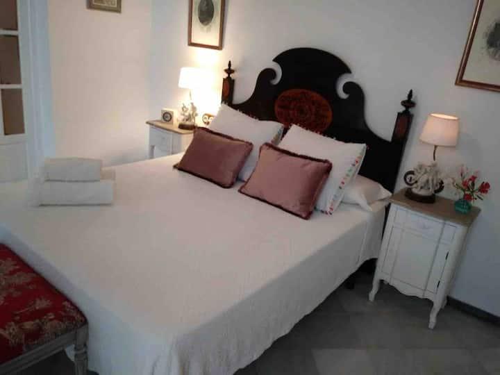 Preciosa habitacion privada en casa palacio