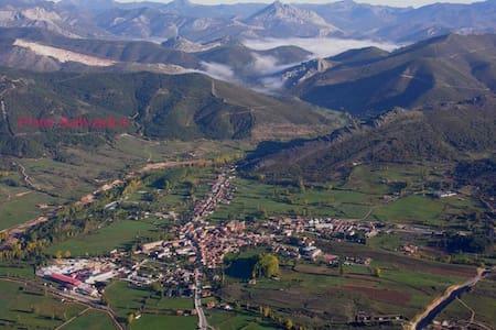 Bonito ático en Boñar pueblo, alegre y tranquilo