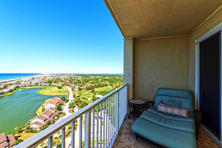 22nd Floor Luxury Ocean View Resort Condo