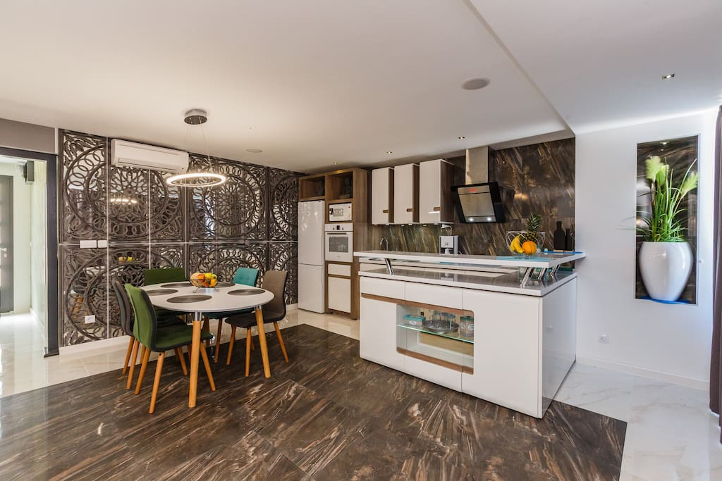 Modern decorated and fully equipped kitchen