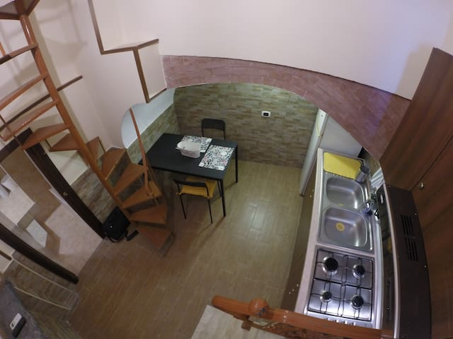 Minì Flat in the centre of Naples 1 min from Metro