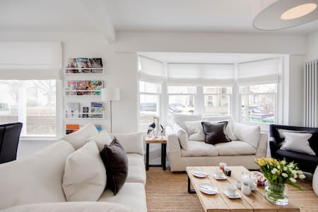 74 By The Sea - *Stunning* Scandi-Coastal Home!